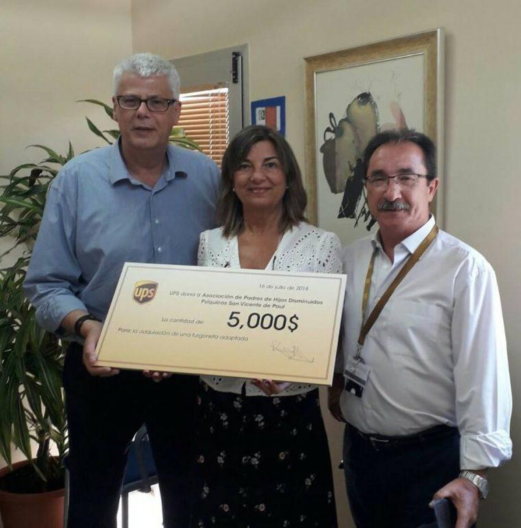 UPS dona a nuestro centro 5000$